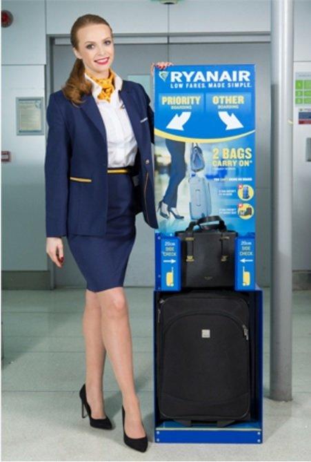 Impermeable Pino delicado  Ryanair 🧭 Foro Aviones, Aeropuertos y Líneas Aéreas p79 🧭 LosViajeros