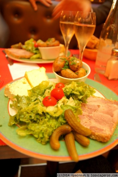 Comida t pica de la zona de champa a reims fotos de for Verduras tipicas de francia
