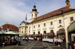Ir a Foto: Plaza Mayor de Sibiu - muy animada - Transilvania