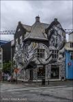 Casa grafiteada en el centro de Reykjavik, Islandia