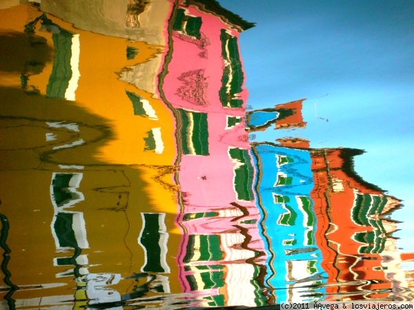 Reflejos en el canal, Burano - Italia Reflections on the channel - Italy