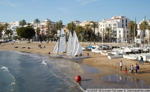 Tres puertos deportivos, propuestas de ocio y gastronomía en Sitges (Barcelona)