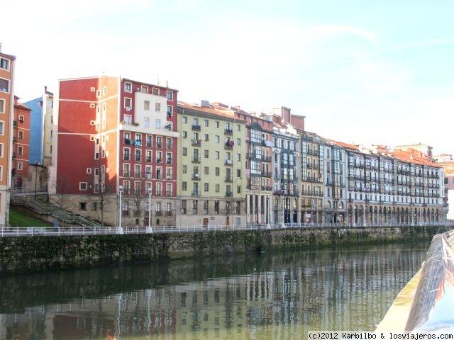 Casas sobre la r a en el muelle marzana bilbao espa a losviajeros - Oficina turismo paris en madrid ...