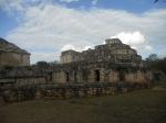 Construcción maya en Ek Balam