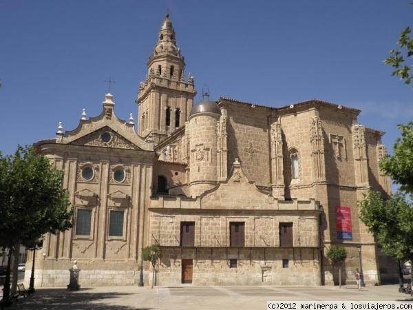 Iglesia De Los Santos Juanes Nava Del Rey Fotos De Espana