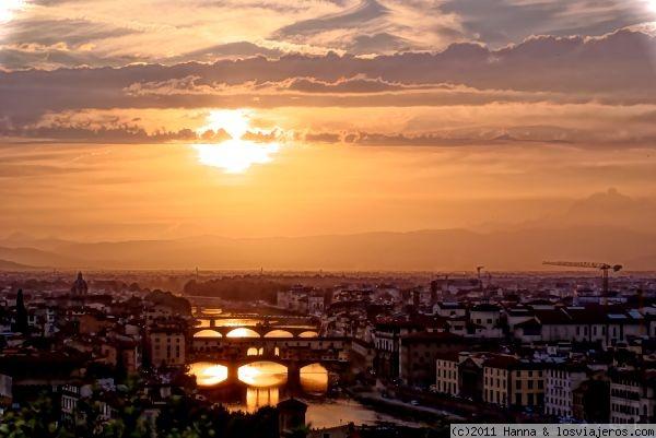 Atardecer Piazzale Michelangelo - Italia Atardecer Piazzale Michelangelo - Italy