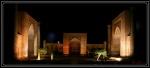 Plaza Registán en Samarkanda. Vista nocturna.