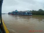 poblado flotante en lago tonle sap (iglesia)