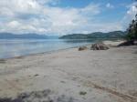 sibolazi beach en el lago toba