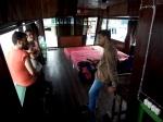 Borneo en klotok viendo orangutanes