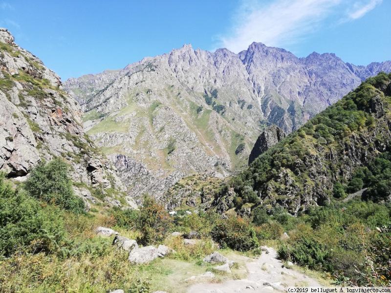 De camino a las cascadas Gveleti