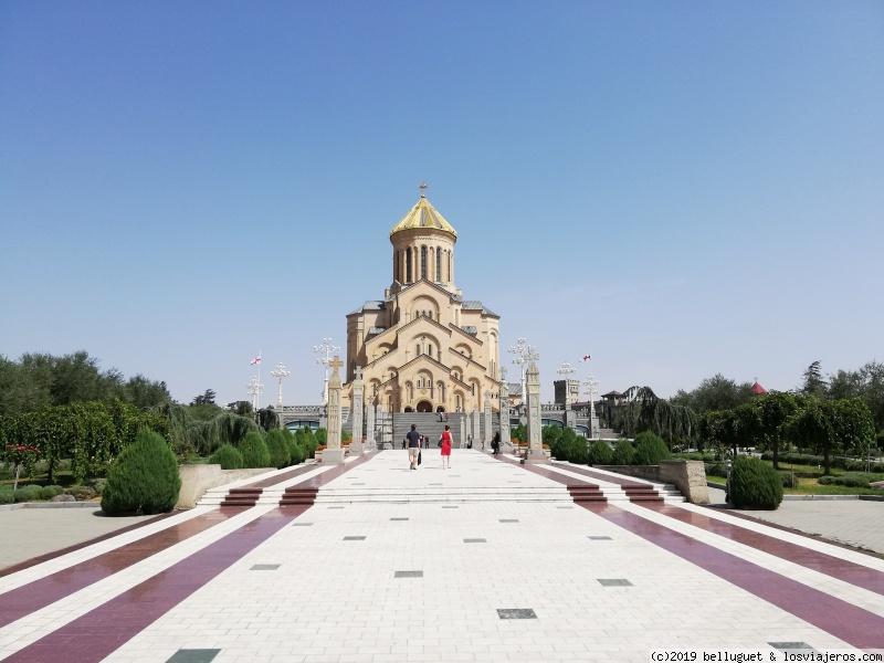 La Catedral y su inconfundible cúpula dorada