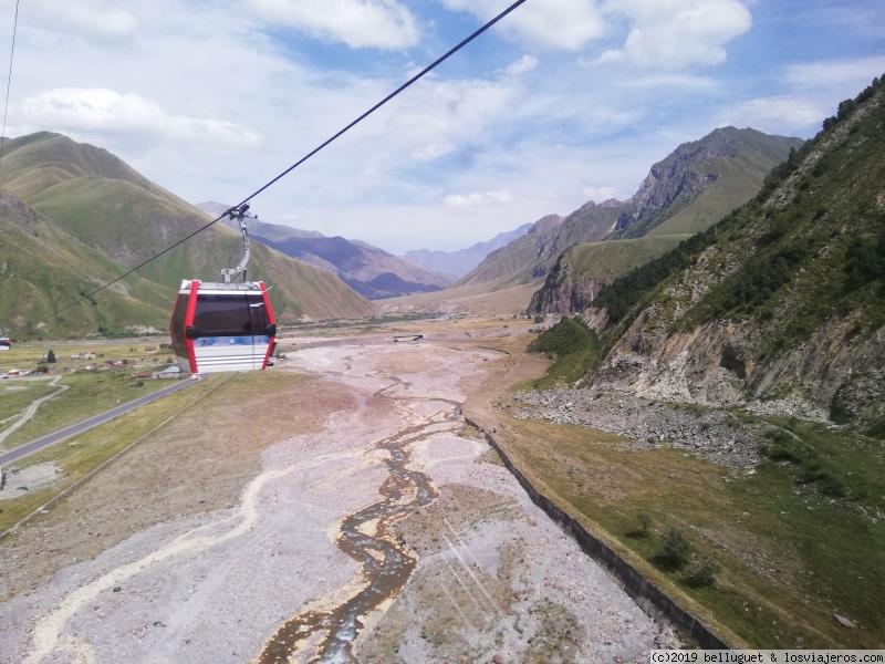 Subiendo hacia los 2000 metros en Gudauri