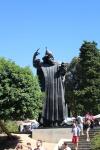 Estatua Gregorio de Nin