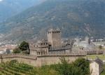Castillo de Montebello - subiendo hacia el Castillode Sasso Corbaro