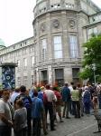 HACIENDO COLA EN EL MUSEO DE LA CIENCIA DE MUNICH