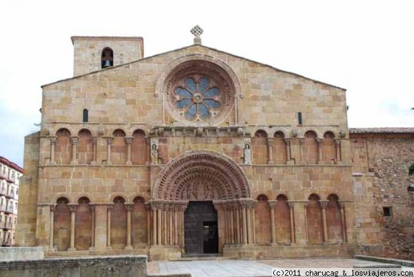 Iglesia de santo domingo soria fotos de espa a for Interior iglesia romanica