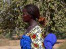Mujer de Burkina -Bazoulé, cerca de Ouagadougou Burkinabe Woman - Bazoulé, cerca de Ouagadougou