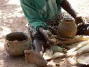 Ir a Foto: Fabricando Ceramica - Burkina  Go to Photo: Pottery - Burkina