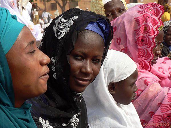 Woman -Tabaski celebration, Bobo Dioulasso- Burkina - Burkina Faso Mujer, fiesta de Tabaski - Burkina  - Burkina Faso