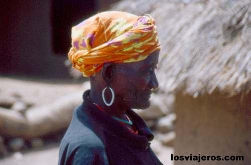 Old woman of the Bedic tribe - Iwol - Bassari Country - Senegal Abuela Bedic - Iwol - Pais Bassari- Senegal
