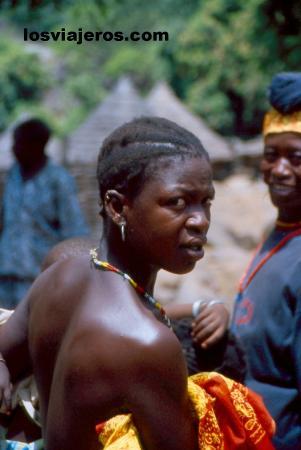 Muchacha de la tribu Bedic - Iwol - Pais Bassari- Senegal