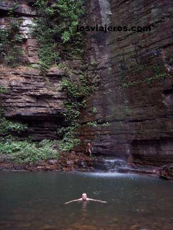 Dindifelo waterfall - Bassari Country - Senegal Cascada de Dindifelo - Pais Bassari- Senegal