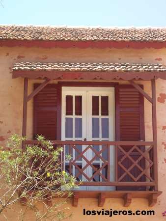 Window in Goree Island- Senegal Ventana en la Isla de Goreé- Senegal