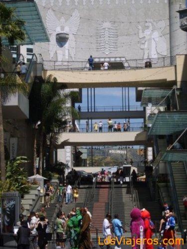 Walking Down Hollywood Blvd - USA Paseando por Hollywood Blvd - USA