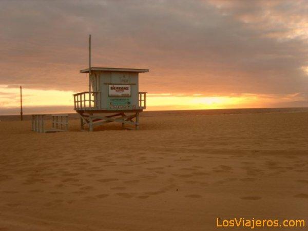 Sunset in Venice Beach - USA Atardeciendo en Venice Beach - USA