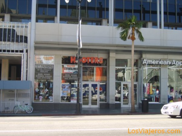 Hooters in LA - USA Hooters - Los Angeles - USA