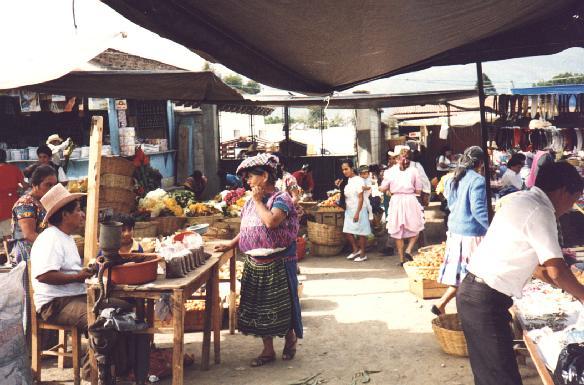 Mercado en la ciudad Antigua Guatemala - America