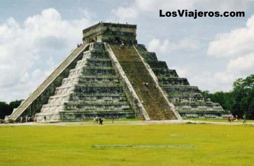 Pirámide de Chichez Itza -Mexico