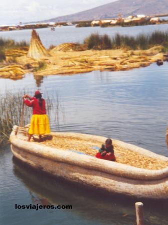 Isla de los Uros - Lago Titicaca - Peru