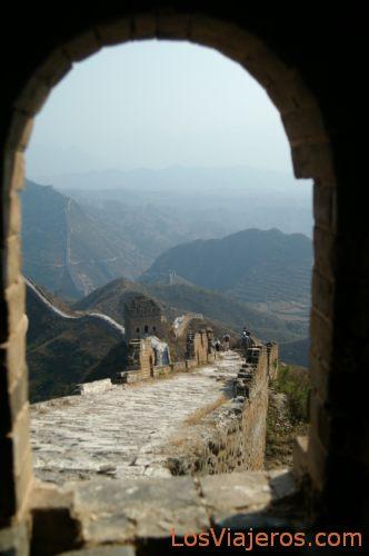 Vista desde una torre de la Gran Muralla - China View from a Tower of the Great Wall - China