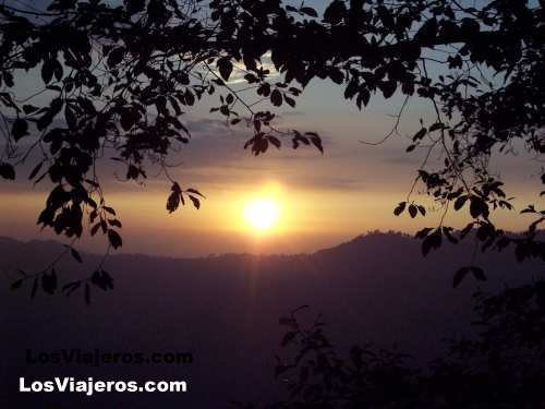 Amanece sobre Sikkin. Darjeeling - India Sunrise over Sikkin - Darjeeling - India
