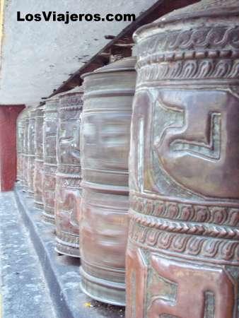 Ruedas de oracion - Ghoom - India Prayer wheels - Ghoom - India