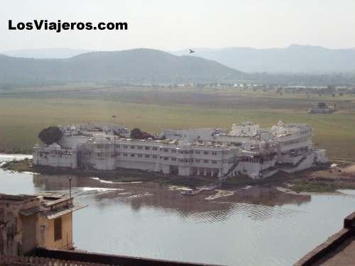 Lake Palace of Udaipur - India Palacio del Lago de Udaipur - India