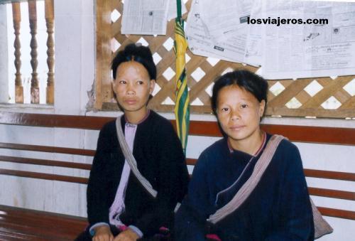 Lenten girls - Laos Jóvenes Lenten. - Laos