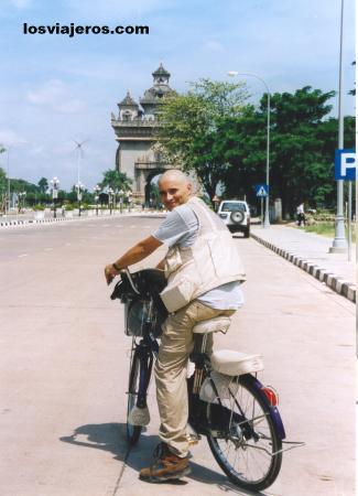 Sigueme en mi viaje por Laos Follow me in my trip in Laos