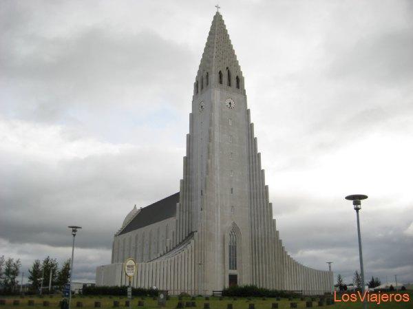 Catedral de Reykjavik - Islandia Cathedral of Reykjavik - Iceland
