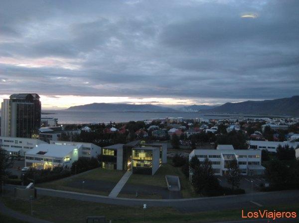 Atardecer en Reykjavik - Islandia Sunset in Reykjavik - Iceland