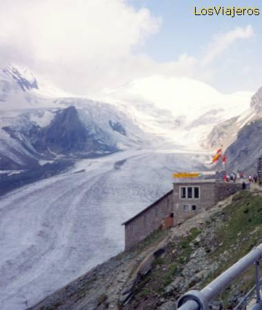 Pasterze glacier - Gross Glockner- Austria Glaciar Pasterze - Grossglockner- Austria