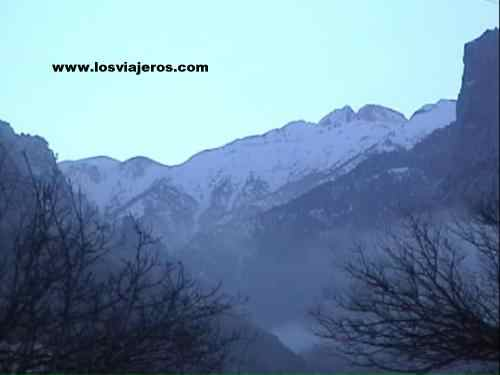 Mt. Olympus from Litohoro - Greece Monte Olimpo desde Litohoro - Grecia
