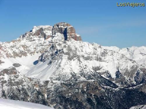 Dolomites Mountains -Cortina d'Ampezzo- Italy Cordillera de los Dolomitas -Cortina d'Ampezzo- Italia