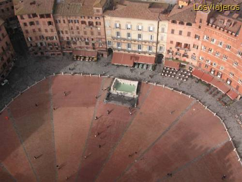 Palio Square -Siena- Italy Plaza del Palio -Siena- Italia
