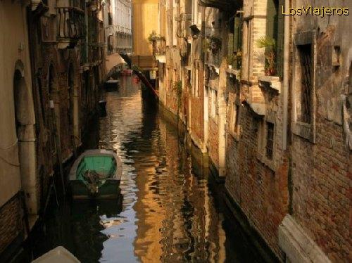 Canales de Venecia - Italia Channels of Venice -Venezia- Italy