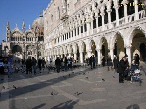 St. Mark's square -Venice -Venezia- Italy Plaza de San Marcos -Venecia- Italia