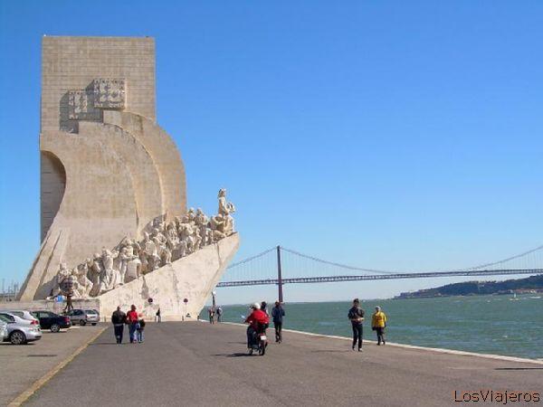 Monument to the discoveries-Lisbon - Portugal Monumento a los descubrimientos-Lisboa - Portugal