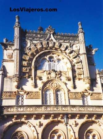 Castle-Palace of Buçaco - Portugal Castillo-Palacio de Busaco - Portugal